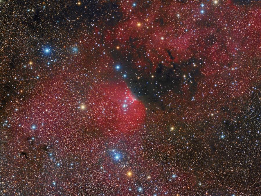 900x675-images-NEBULOSE-SH2140