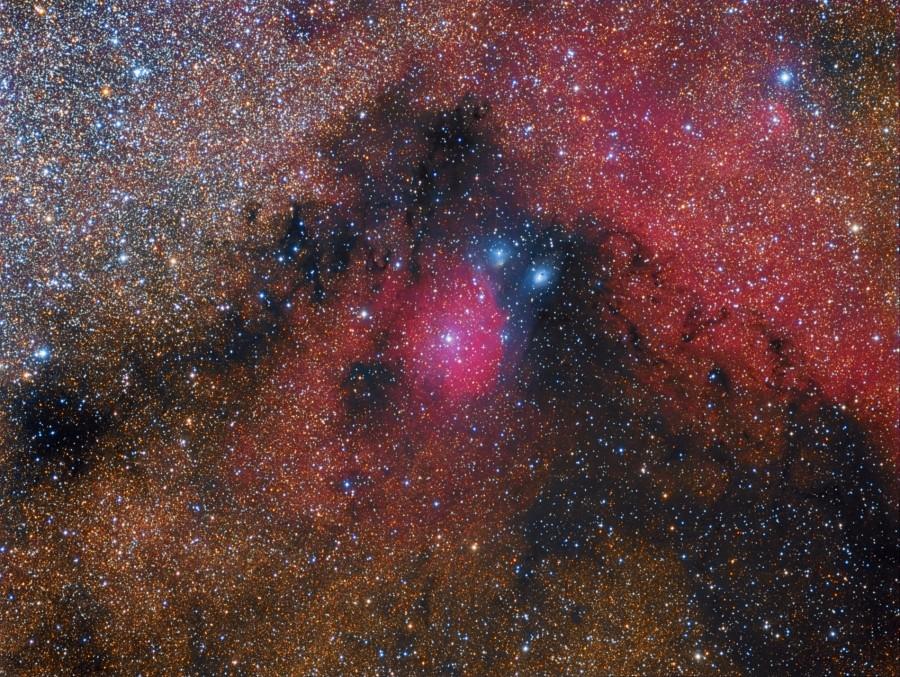 900x677-images-NEBULOSE-IC1284